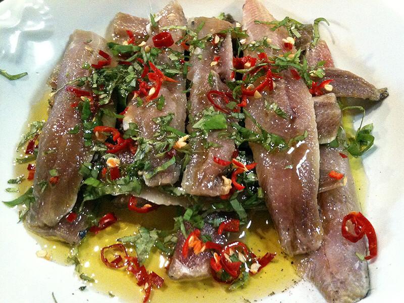 sardines marin es au basilic et au piment ni cru ni cuit. Black Bedroom Furniture Sets. Home Design Ideas