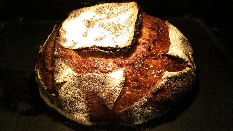 Comment faire votre premier pain au levain ni cru ni cuit - Comment faire griller du pain au four ...